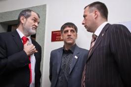 Областной избирком принял документы у кандидата в губернаторы Султанова