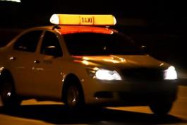 УМВД: Под Калининградом таксист с подельником избили и ограбили двух студентов