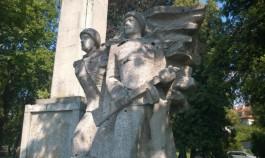 В Польше подготовили список советских памятников под снос