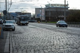 В Калининграде перенесли остановки для двух автобусов с улицы Багратиона к Тополиной аллее