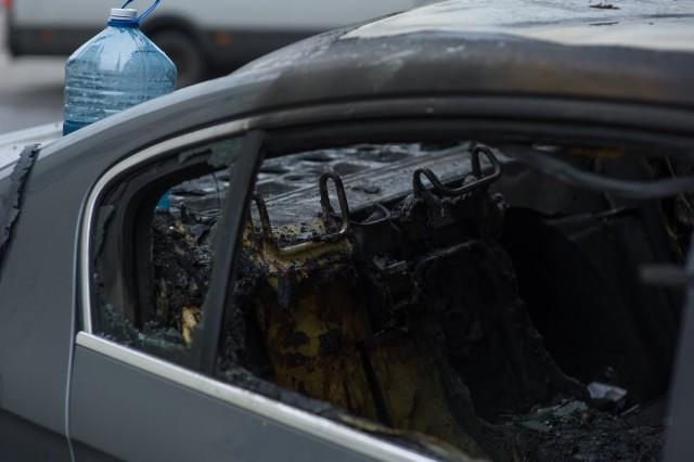 Ночью в центре Калининграда сгорел БМВ