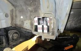 На границе на Куршской косе задержали «Мерседес» с 2,5 тысячами пачек контрабандных сигарет