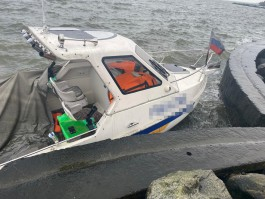 Калининградец угнал катер и не смог доплыть на нём до дома