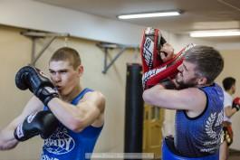 «Билет в Мексику»: репортаж с тренировки бойца тайского бокса из Светлогорска