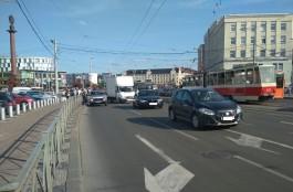 В Калининграде на площади Победы упал в автобусе 30-летний пассажир