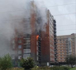 В начале улицы Гагарина в Калининграде загорелась квартира в 12-этажке
