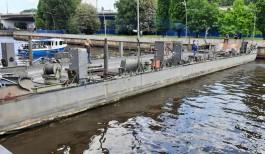 В Калининграде установили понтон через Преголю для строительства пешеходного моста на остров Канта