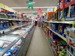 СМИ: Литовцы всё чаще приезжают за продуктами в Польшу