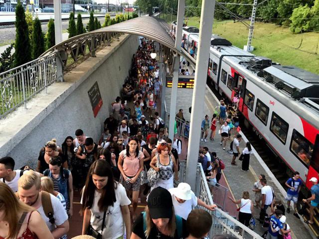 В выходные пустят дополнительные поезда в Зеленоградск и Светлогорск
