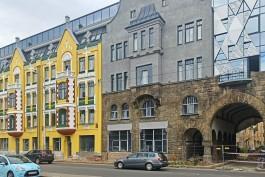 «Это не игрушки»: Евгений Маслов о реконструкции Кройц-аптеки и восстановлении немецкой надписи