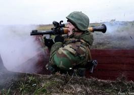На морском побережье гранатомётчики Балтфлота уничтожили бронетехнику «боевиков»