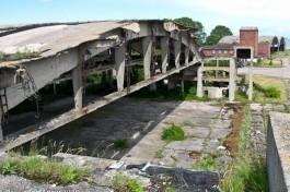 Сибирёва: На Балтийской косе собственник демонтирует аварийную крышу ангара немецкого аэродрома