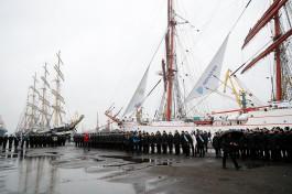 Барки «Седов» и «Крузенштерн» вышли из Калининграда в открытое море после снижения силы ветра