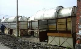 Торговцы янтарём начали обустраивать территорию у башни Врангеля в Калининграде