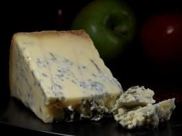 Под Черняховском начали выпускать сыр с благородной плесенью