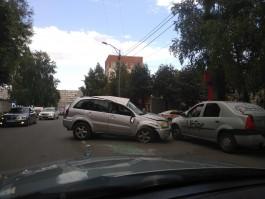 На улице Портовой в Калининграде перевернулась «Тойота»