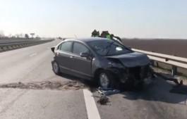 На трассе Калининград — Черняховск «Хонда» врезалась в отбойник: погиб 37-летний водитель