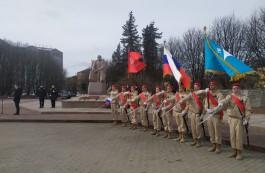 На площади Василевского возложили цветы в память о погибших при штурме Кёнигсберга