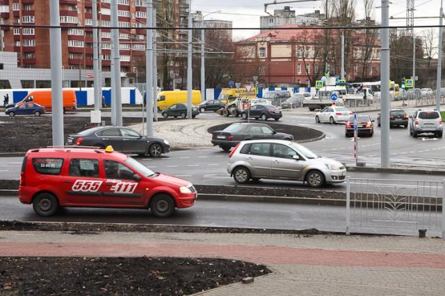 Власти всё-таки решили установить «умные» светофоры на площади Василевского