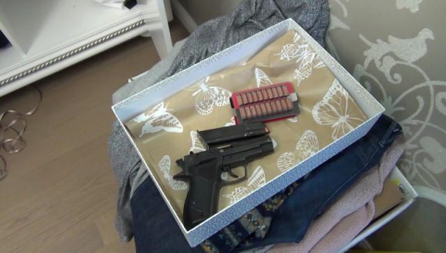 Уводителя, который сбил инспектора ГИБДД, отыскали пистолет