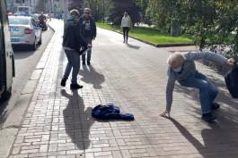В центре Калининграда пассажиры троллейбуса подрались из-за неправильно надетой маски
