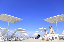 «Улыбчивый, честный, стрессоустойчивый»: власти Янтарного ищут смотрителя пляжа