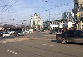 На Ленинском проспекте в Калининграде «Мерседес» сбил 19-летнего пешехода