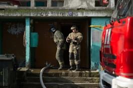 В подъезде дома на аллее Смелых в Калининграде загорелась детская коляска