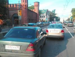 Из-за ДТП Московский проспект встал в пробке