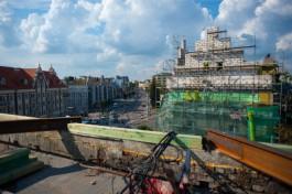 «Опять не уложимся»: власти в очередной раз продлили срок ремонта домов на Ленинском проспекте