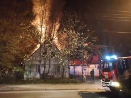 Ночью у кладбища на проспекте Мира горела пристройка к церкви Архангела Гавриила