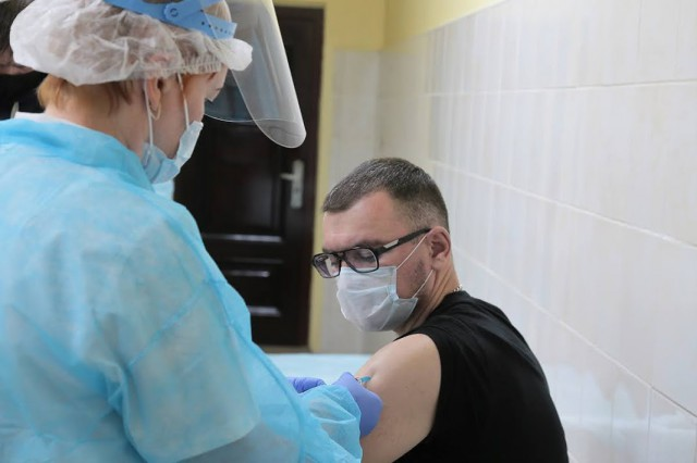 Власти Калининградской области рассчитывают получить 5-7 тысяч доз вакцины от коронавируса в январе