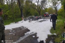 Очевидцы: На балтийской трассе две машины загорелись после столкновения, погибли люди