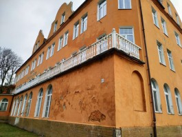 Власти Зеленоградска потребовали от собственника привести в порядок фасад гостиницы «Королева Луиза»