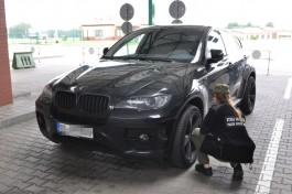 В Калининградскую область не пустили подозрительный BMW X6 из Германии