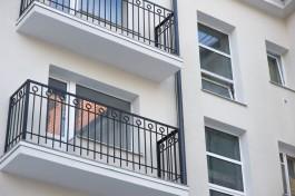 Голый житель Калининграда пытался выпрыгнуть с балкона третьего этажа