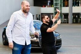 «Валдис! Семён! Миша!»: в «Янтарь-холле» прошла ТВ-съёмка «Голосящего КиВиНа»
