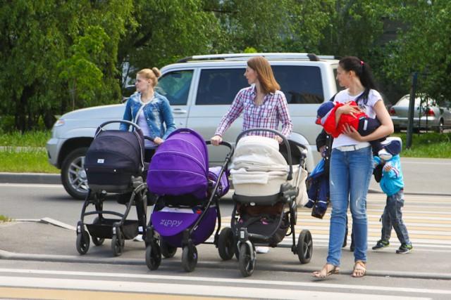 Калининградское руководство вводит дополнительный маткапитал натретьих и следующих детей