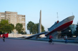 Силанов решил вернуть катеру на мемориале морякам-балтийцам «волны» и прожекторы