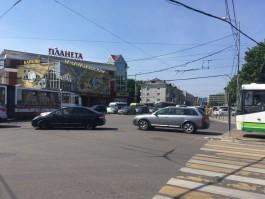 На улице Черняховского в Калининграде затруднено движение из-за неработающего светофора