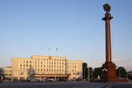 На триумфальной колонне в центре Калининграда планируют установить четыре барельефа
