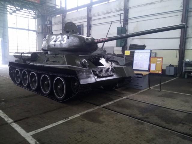 Штурмовавший Кёнигсберг танк Т-34 начали подготавливать кучастию впараде Победы