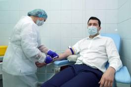Алиханову ввели первую дозу вакцины от COVID-19