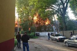 На ул. Коммунистической в Калининграде снова загорелась бывшая военная часть