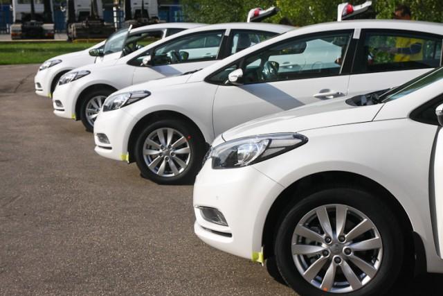 За минувший год жители России потратили 1,8 трлн руб. напокупку авто