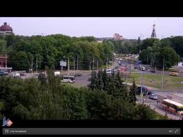 На площади Василевского автобус сбил человека на пешеходном переходе
