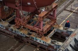 На заводе «Янтарь» в Калининграде загорелся строящийся корабль