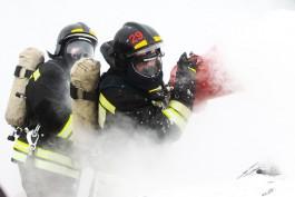 На улице Менделеева в Калининграде сгорел гараж с автомобилем