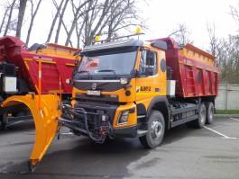 Региональные власти закупили пять комбинированных машин для содержания дорог