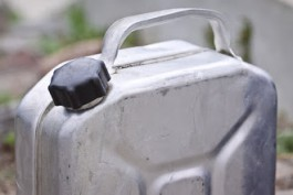 В Гусеве офицер получил штраф за избиение подчинённого, отрицавшего кражу дизтоплива